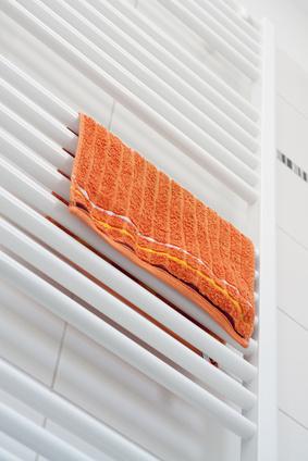 Handtuchheizung mit einem Handtuch